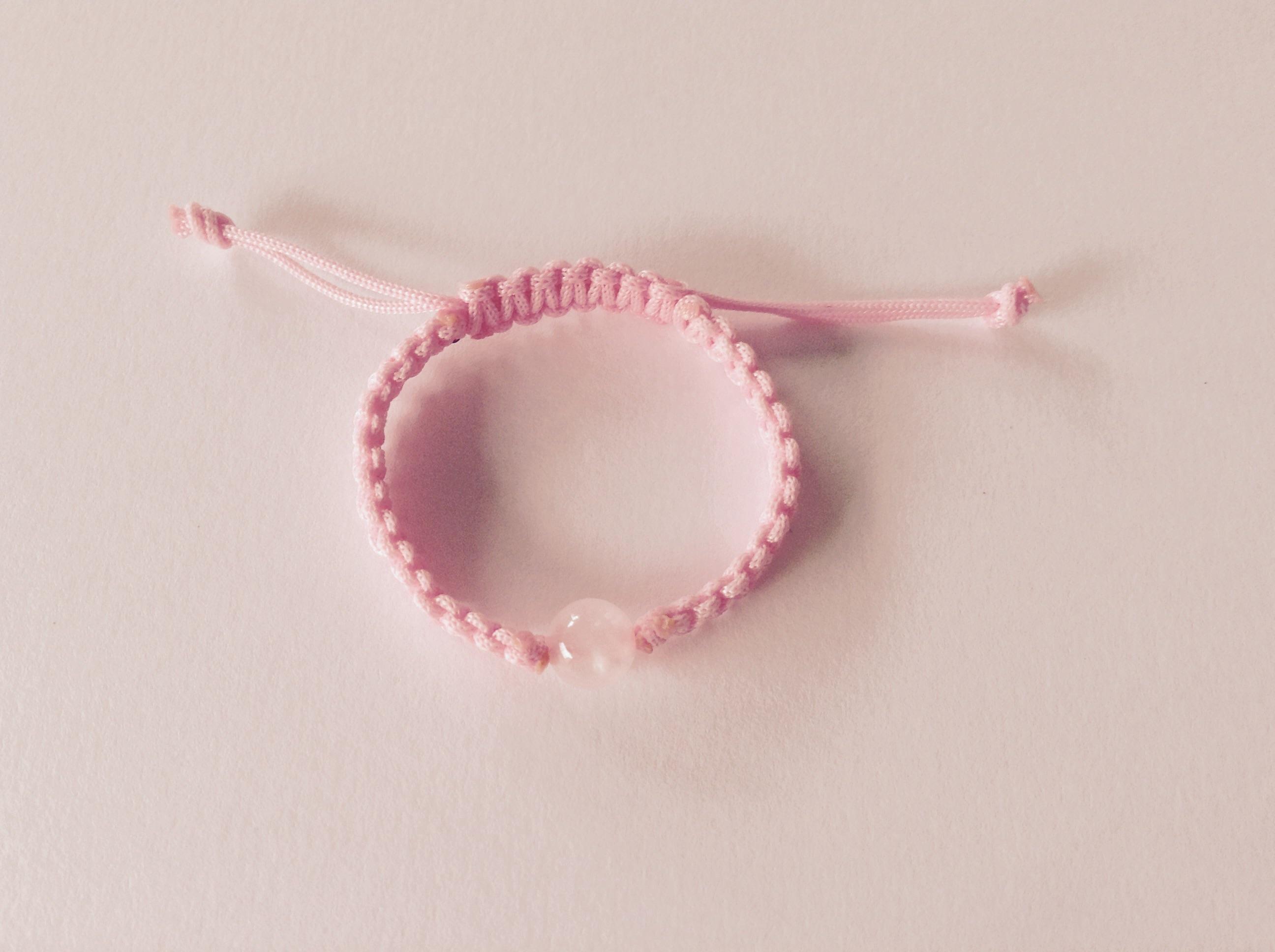 7da3a45d14e7 16- Pulsera para niña de hilo color rosa bebé con bolita de cuarzo ...